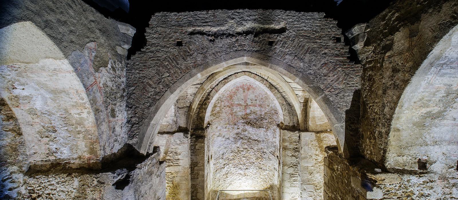 [:de]Gewölbe der Virigilkapelle vor der Sanierung[:en]Arches of the Vergilius Chapel before rehabilitation